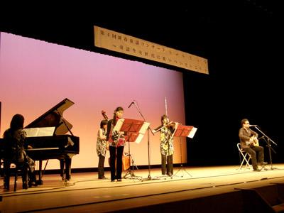 童謡コンサート(keiさんwithエルスール左から)